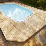 Terrasse en mélèze, tour de piscine
