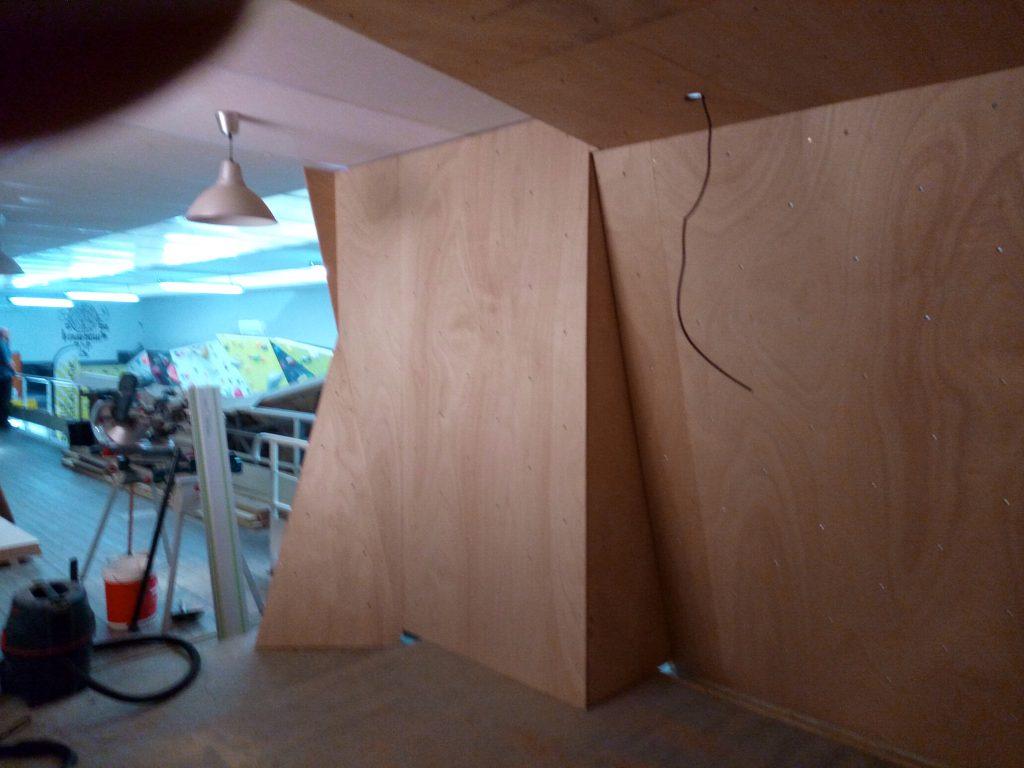 mur d 39 escalade bois nantes menuiserie pour les pro. Black Bedroom Furniture Sets. Home Design Ideas