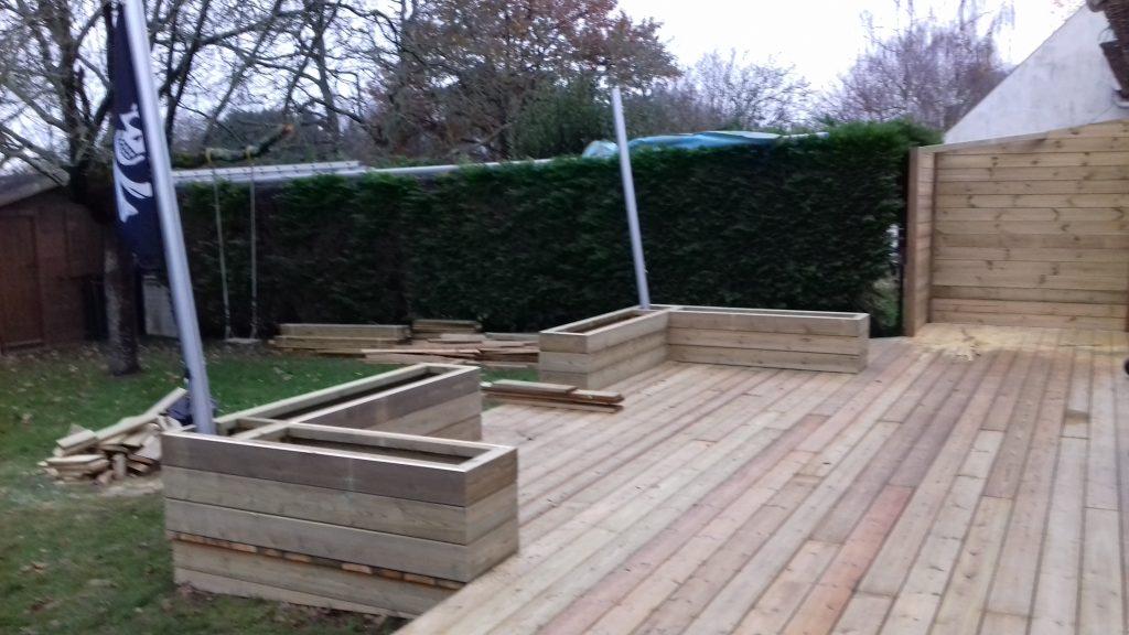 Terrasse et am nagements de jardin en bois artisan Coffre terrasse bois