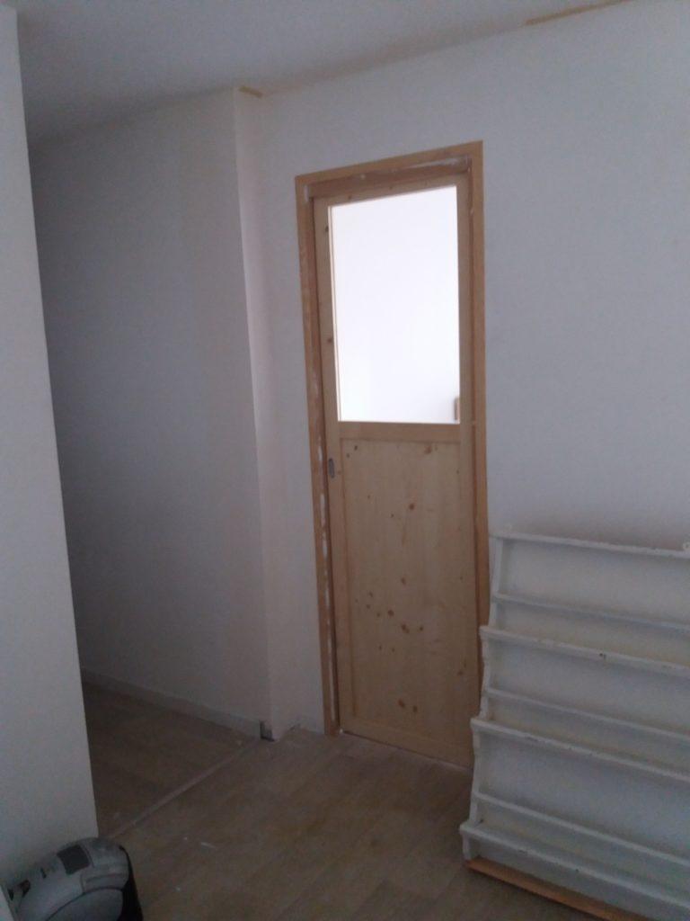 Verrière et portes coulissantes en bois massif